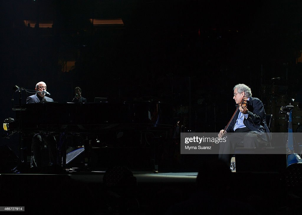Billy Joel And Violinist Virtuoso Itzhak Perlman Perform Together At Billy  Joelu0027s Sold Out Concert @