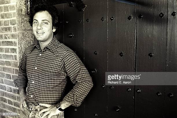 Billy Joel posed in his Los Angeles home in 1984