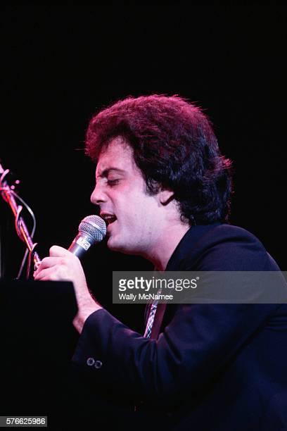 Billy Joel Singing