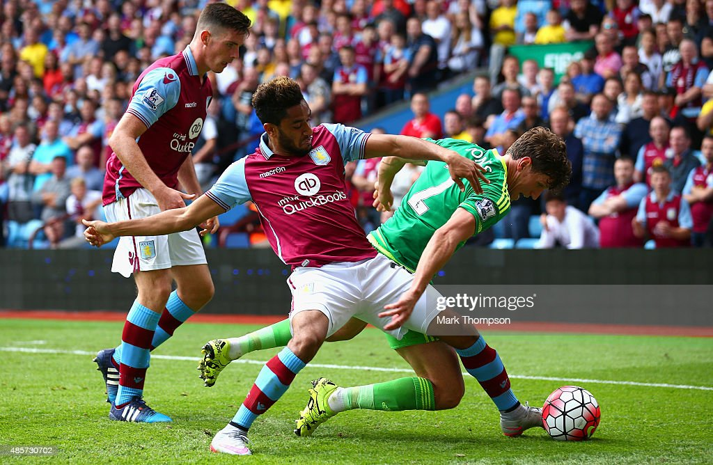 Billy Jones of Sunderland and Jordan Amavi of Aston Villa compete for the ball during the Barclays Premier League match between Aston Villa and Sunderland at Villa Park on August 29, 2015 in Birmingham, England.