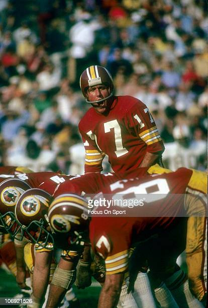 Billy Kilmer of the Washington Redskins calls out the signals against the Miami Dolphins during Super Bowl VII at the Memorial Coliseum January 14...