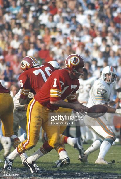 Billy Kilmer Washington Redskins in action against the Miami Dolphins during Super Bowl VII at the Los Angeles Memorial Coliseum in Los Angeles...