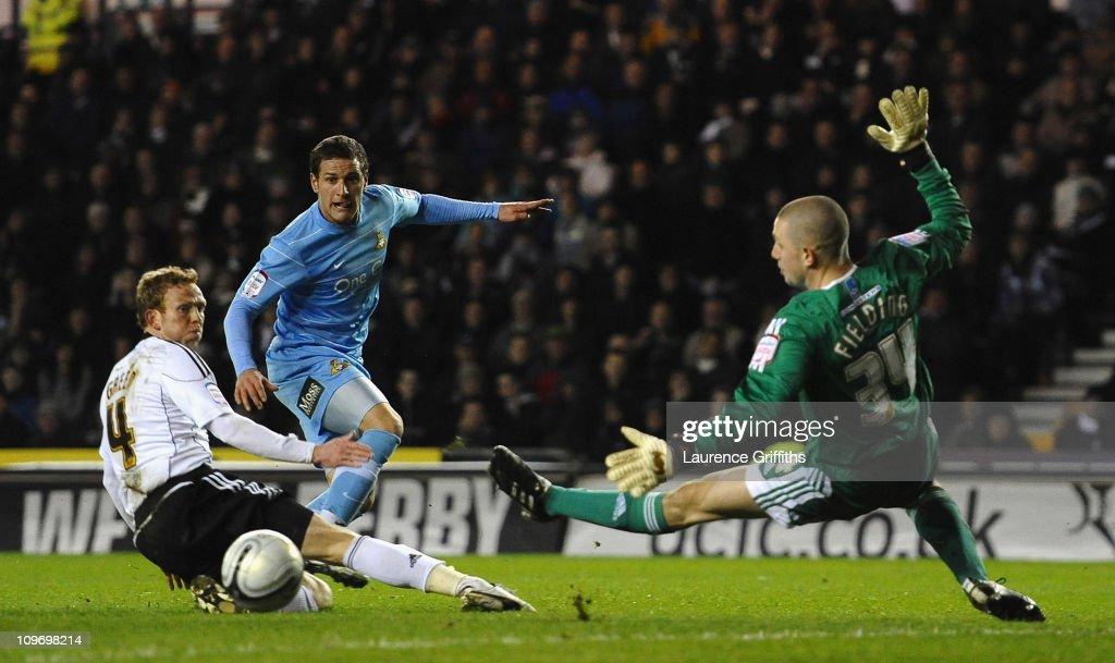 Billy Sharp of Doncaster Rovers fires in a shot at goal during the npower Championship match between Derby County and Doncaster Rovers at Pride Park on March 1, 2011 in Derby, England.