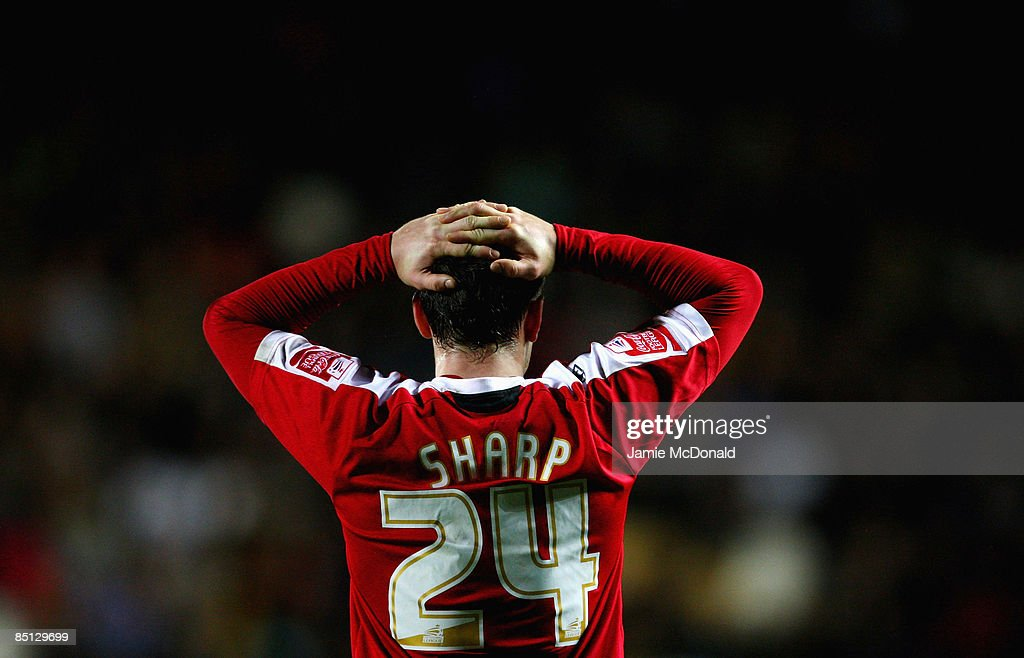 Billy Sharp of Sheffield United looks dejected during the FA Cup sponsored by E.on, 5th round replay match between Hull City and Sheffield United at the KC Stadium on February 26, 2009 in Hull, England.