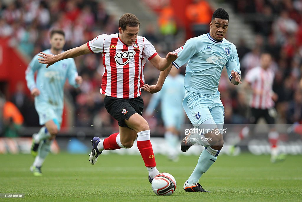 Billy Sharpe (L) of Southampton takes on Jordan Willis (R) of Coventry City during the npower Championship match between Southampton and Coventry City at St Mary's Stadium on April 28, 2012 in Southampton, England.