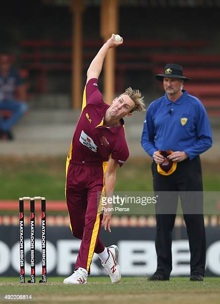 Billy Stanlake of the Bulls bowls during the Matador BBQs One Day Cup match between South Australia and Queensland at North Sydney Oval on October 11...