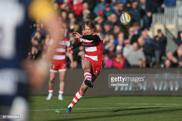 Billy Twelvetrees of Gloucester kicks a penalty during the Aviva Premiership match between Worcester Warriors and Gloucester Rugby at Sixways Stadium...