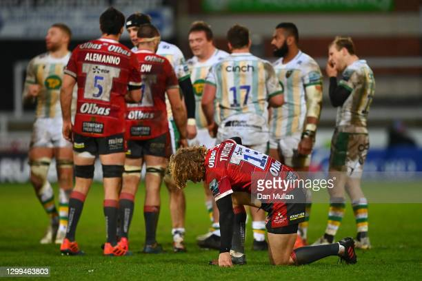 Billy Twelvetrees of Gloucester kneels dejected at the final whistle following his side's defeat during the Gallagher Premiership Rugby match between...