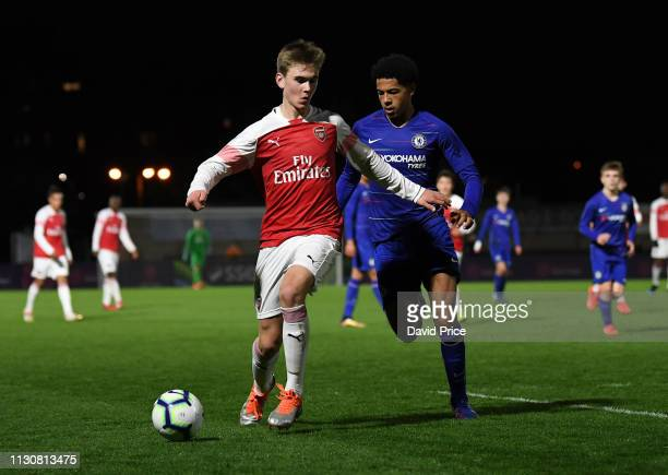 Billy Vigar of Arsenal takes on Levi Colwill of Chelsea during the match between Arsenal U16 and Chelsea U16 at Meadow Park on March 15 2019 in...