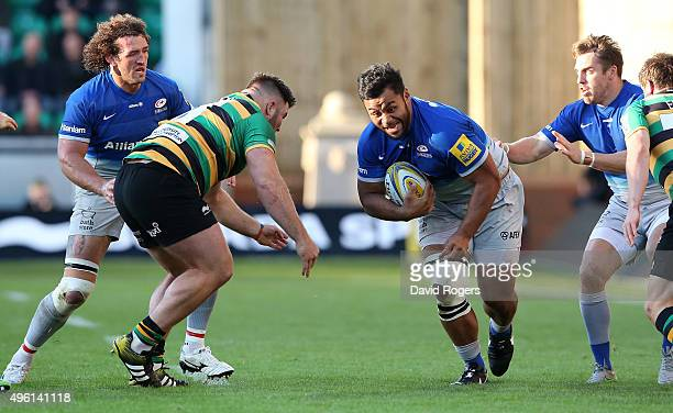Billy Vunipola of Saracens charges upfield during the Aviva Premiership match between Northampton Saints and Saracens at Franklin's Gardens on...
