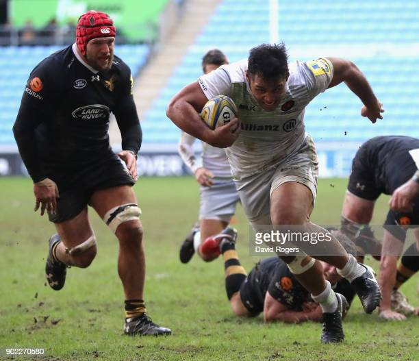 Billy Vunipola of Saracens charges upfield during the Aviva Premiership match between Wasps and Saracens at The Ricoh Arena on January 7 2018 in...
