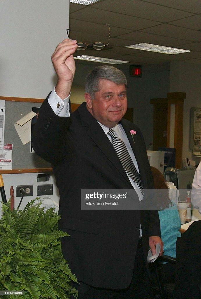 Biloxi Sun Herald executive editor Stan Tiner tips his hat
