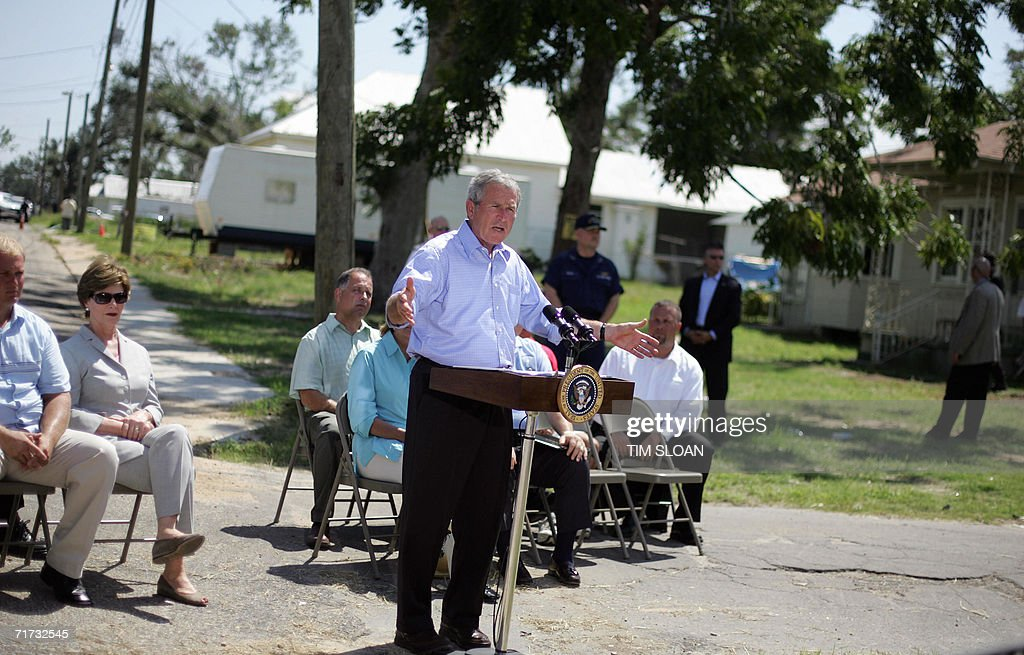 US President George W. Bush makes remarks on recovery efforts 28 August 2006 in Biloxi, Mississippi. Bush is on a two-day trip to Biloxi and New Orleans to commemorate the one year anniversary of hurricane Katrina. AFP PHOTO/Tim SLOAN