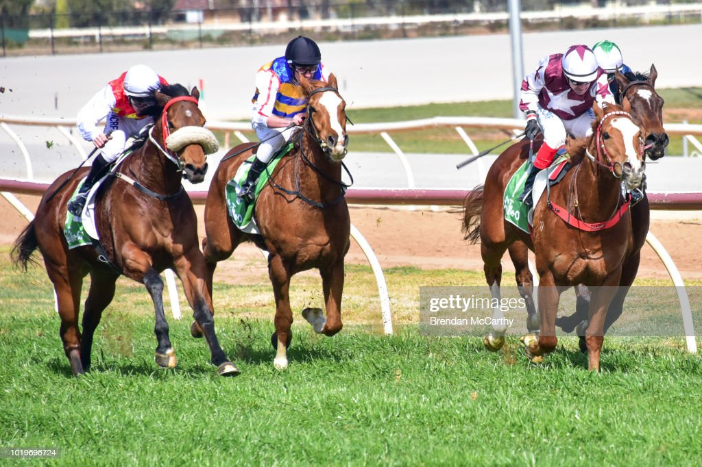 Swan Hill Jockey Club Race Meeting