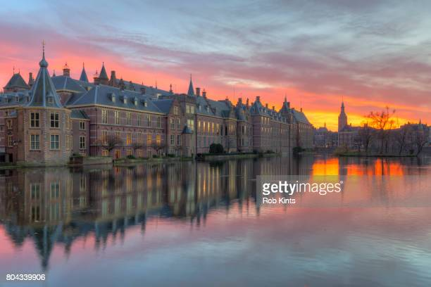binnenhof the hague at sunset - binnenhof stock photos and pictures