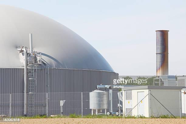 バイオガス電力発電工場の煙突