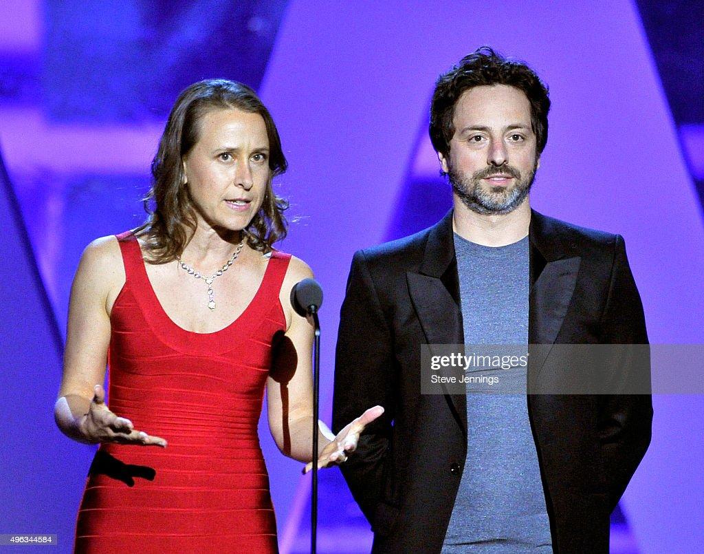 2016 Breakthrough Prize Ceremony - Show : News Photo