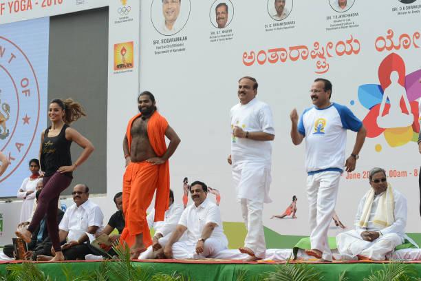 R Bipasha Basu Bollywood Actress Shwaasa Guru Sri Vachananda Swamiji Ananth Kumar Minister of Chemicals and Fertilizers DV Sadananda Gowda Minister...