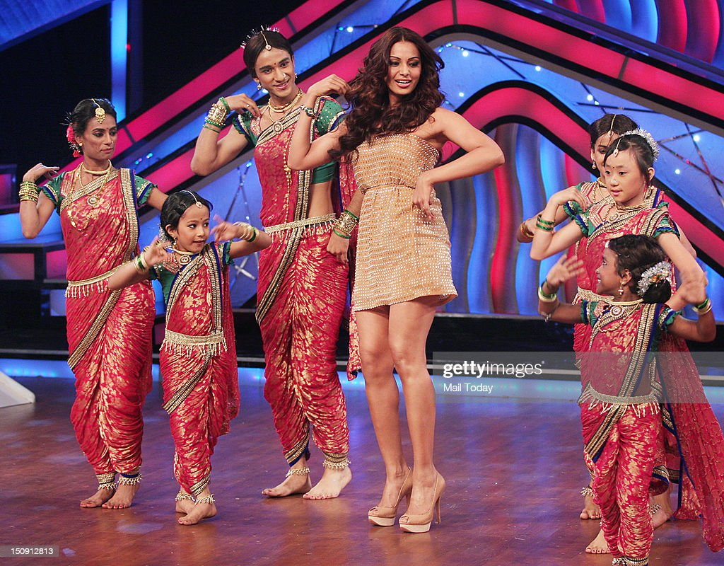 Bipasha Basu dances on the sets of Dance India Dance Little Masters in Mumbai