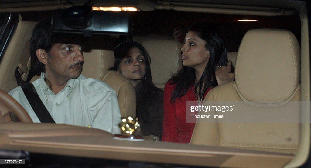 Bipasha Basu leave after meeting Amitabh Bachchan at Lilavati Hospital on Wednesday