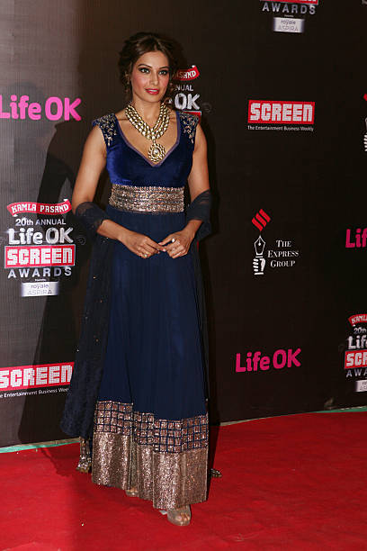 Bipasha Basu looked stunning in blue traditional attire with heavy neck piece at the 20th Annual Life OK Screen Awards in Mumbai