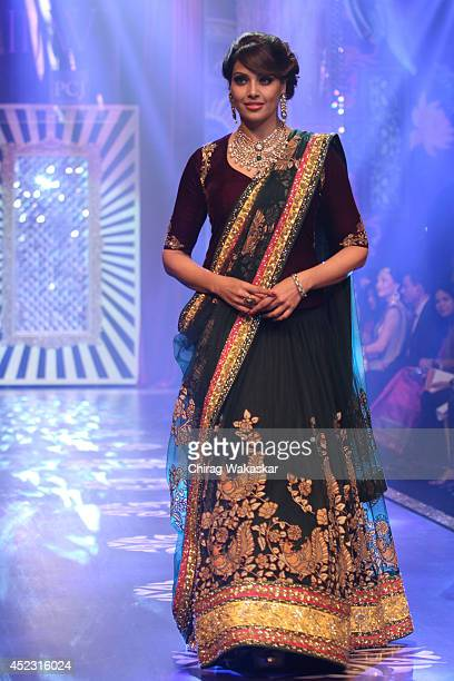 Bipasha Basu walks the runway at the grand finale of India International Jewellery Week 2014 at Grand Hyatt on July 17, 2014 in Mumbai, India.