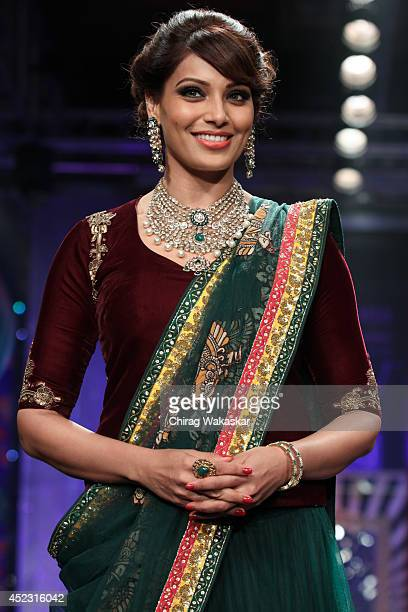 Bipasha Basu walks the runway at the grand finale of India International Jewellery Week 2014 at Grand Hyatt on July 17 2014 in Mumbai India