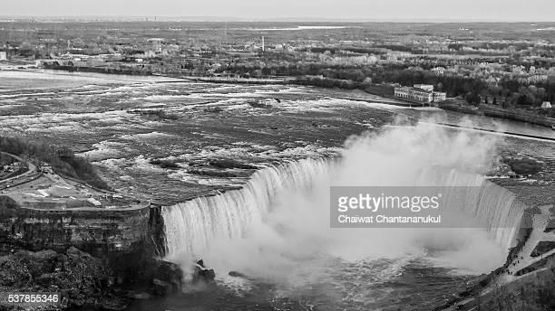 Bird-Eye-View of niagara falls in Black and White