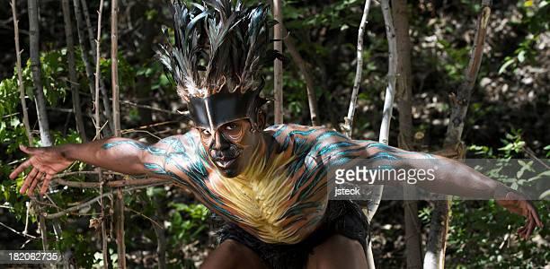 birdman artista com os braços estendidos - arte, cultura e espetáculo - fotografias e filmes do acervo