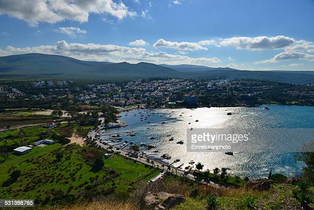 birds eye view of ildir bay from hill top - emreturanphoto stock-fotos und bilder