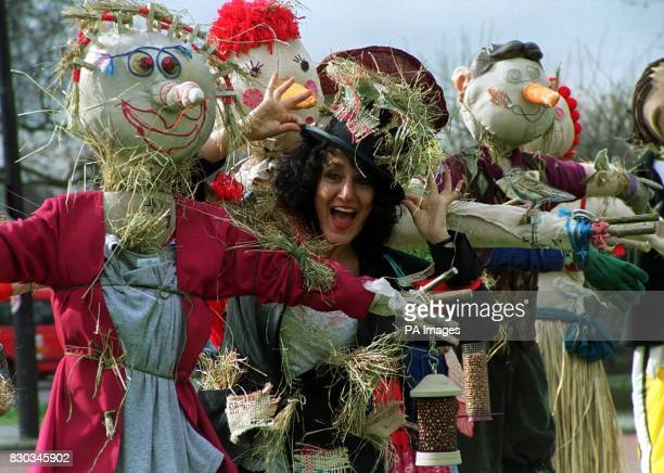 Birds of a Feather actress Lesley Joseph joins a Skylarks and Scarecrows rally at Marble Arch in London to highlight the massive decline of once...