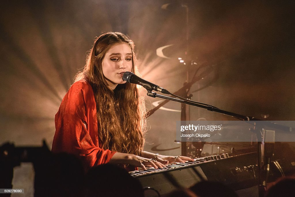 Birdy Performs At Oslo