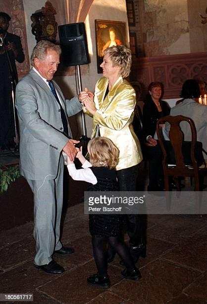 Birgit Biggi Lechtermann Ehemann WillyKnupp Tochter Lisann SophieGeburtstagsparty zum 40 Geburtstag Tanztanzen