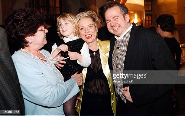 Birgit Biggi Lechtermann mit Mutter Tochter Lisann Sophie HelmuthZerlett Party zum 40 GeburtstagFrankfurt