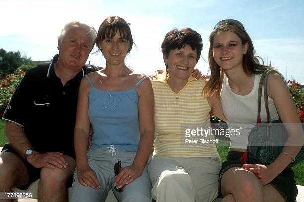 Birgit Borg Mutter Rosi Vater Alfred Strobel Schwester Michaela Strobel Kreuzfahrt Hafen Palma de Mallorca Balearen Spanien Europa Urlaub