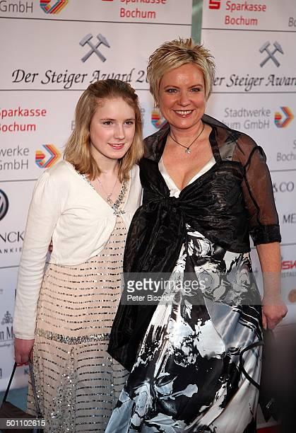 Birgit Lechtermann Tochter Lisann Sophie Gala Verleihung Steiger Award 2008 Bochum NordrheinWestfalen Deutschland Europa Jahrhunderthalle roter...