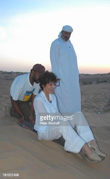 Birgit Schrowange Scheich Faisal Al Quasimi Dreharbeiten zur RTLLifestyleShow Life Die Lust zu leben Dubai Vereinigte Arabische Emirate VAE Mittlerer...