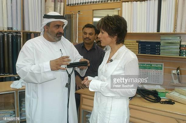 Birgit Schrowange Scheich Faisal Al Quasimi Stoffgeschäft Shopping Einkaufen Dreharbeiten zur RTLLifestyleShow Life Die Lust zu leben Dubai...