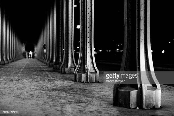Bir-Hakeim Bridge at Night in Black & White