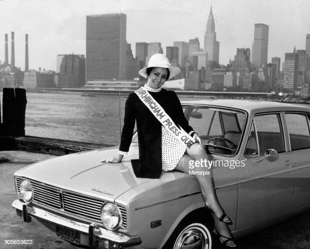 Birmingham Press Queen 1968 Miss Jenny Wood pictured during her round the world trip with Qantas Airways with Hanhattan skyline in background New...