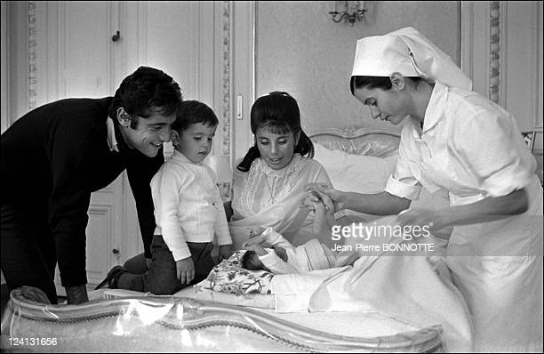 Birth of Sacha Distel'second child Laurent at the Belvedere clinic In France In October, 1967 - Sacha Distel, Francine, Julien and Laurent.