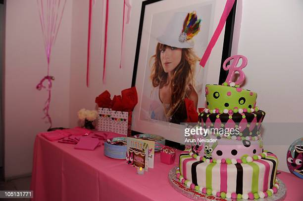 Fantastic 60 Top 13 Birthday Cakes Pictures Photos Images Getty Images Funny Birthday Cards Online Alyptdamsfinfo