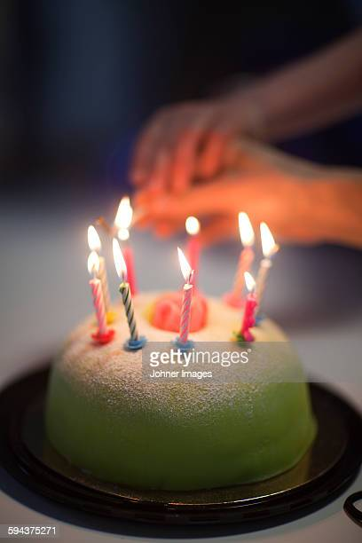birthday cake, hands on background - marzipan stock pictures, royalty-free photos & images