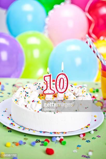 gâteau d'anniversaire - 10 11 ans photos et images de collection