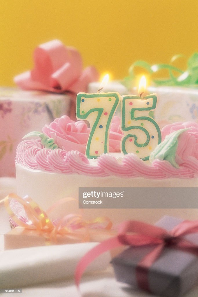 Birthday Cake With Number 75 Candle On It Stock Foto