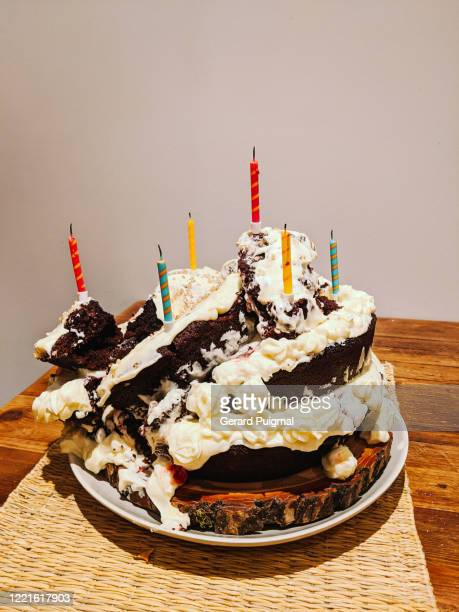 birthday chocolate cake that fell apart - ruined stock pictures, royalty-free photos & images