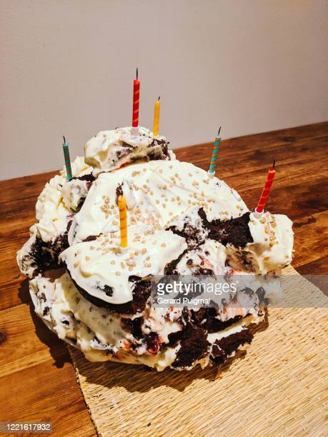 birthday chocolate cake that fell apart - cake stock pictures, royalty-free photos & images