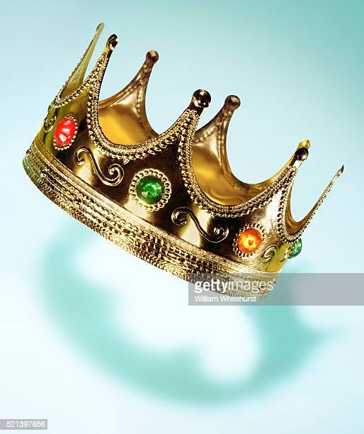 birthday crown - happybirthdaycrown stock pictures, royalty-free photos & images