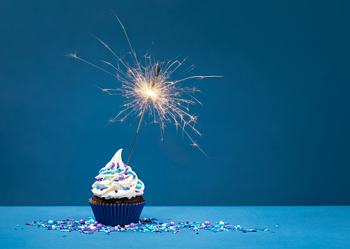 Birthday Cupcake with sparkler 1155088158