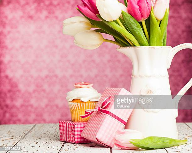 birthday gifts and flowers - mothers day card stock pictures, royalty-free photos & images